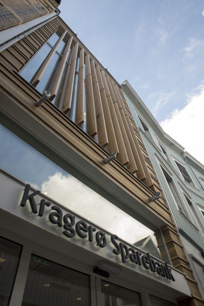 Kragerø Sparebank - Fasade - Point Design